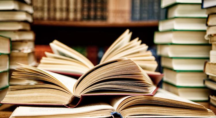 knihovna-750x410